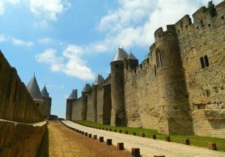 Between the fortress walls in la Cité de Carcassonne