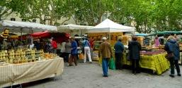 Market day in Uzès