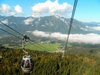 The gentle Kreuzeckbahn gondola