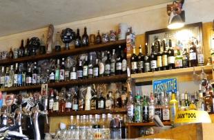 Bar Troubadour - a scary amount of Absinthe