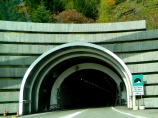 Entering le Mont Blanc tunnel
