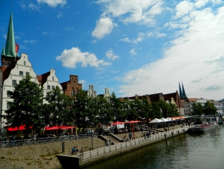 Along the banks of the Trave in Lübeck
