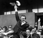 Lech Walesa carried on the shoulders of his Solidarity comrades