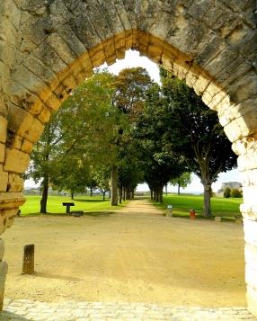 Coucy le Château entrance