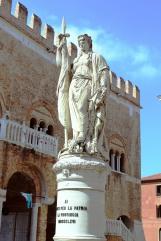 Outside Palazzo della Ragione