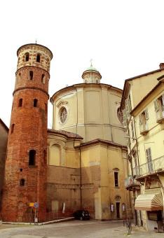 Torre Rossa gaurding Roman entrance