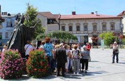 Pilgrims outside the Pope's house