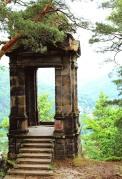 Romantic lookout