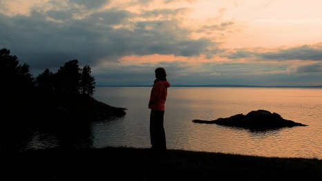 A thoughtful evening at Lake Vattern
